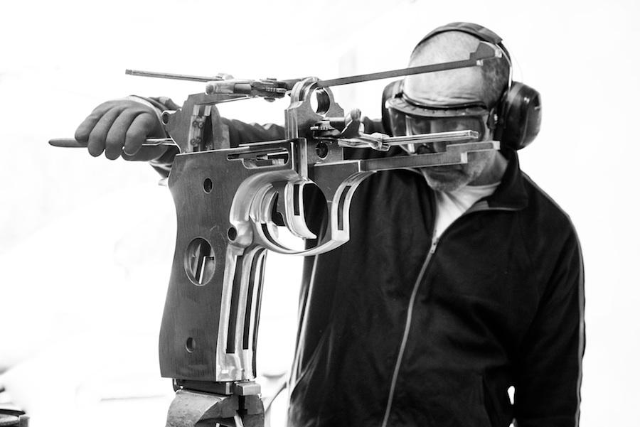 octobon-atelier-sculptures- gun-1.jpg