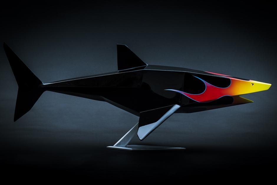 mathieu-chevalley-octobon-jean-custom-hot-rod-sculpture-art-modern-popart-white-shark