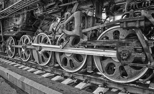 depositphotos_13919531-stock-photo-old-steam-locomotive-wheels.jpg
