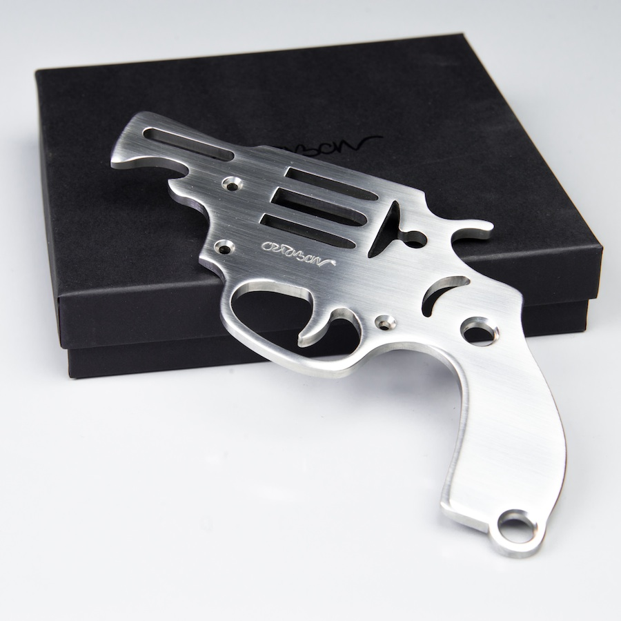 1-jean-octobon-decpsuleur -gun-pistol-revolver-flingue-pistolet