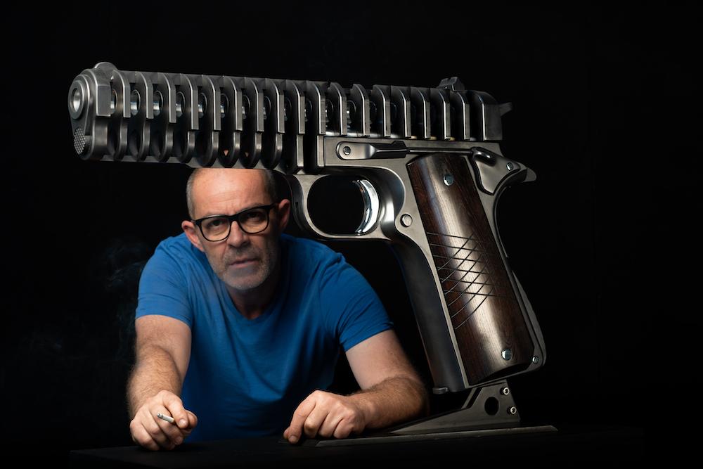 jean-octobon-sculpture-armes-pistolet-gun-revolver