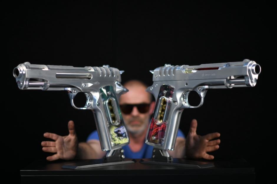 jean-octobon-sculpture-revolver-gun-pistol-art